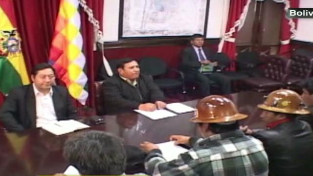 cnnee carrasco bolivia miners strike_00013329.jpg