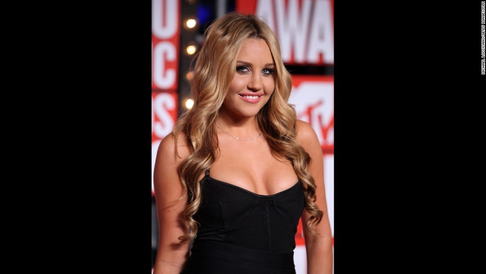 "Bynes hadn't yet announced that she was through with acting when she walked the red carpet at the 2009 MTV Video Music Awards. She <a href=""http://marquee.blogs.cnn.com/2010/06/21/amanda-bynes-quits-acting-via-twitter/?iref=allsearch"" target=""_blank"">saved that revelation</a> for the following June, only to announce that <a href=""http://marquee.blogs.cnn.com/2010/07/26/amanda-bynes-ive-unretired/?iref=allsearch"" target=""_blank"">she'd ""un-retired""</a> by July."