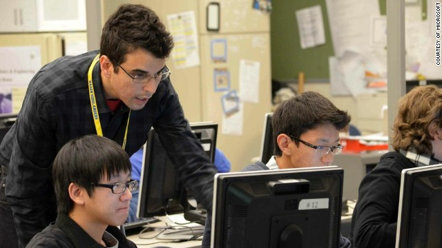 Robert El-Soudani teaching an advanced computer-science TEALS course at Hazen High School in Renton, Washington.