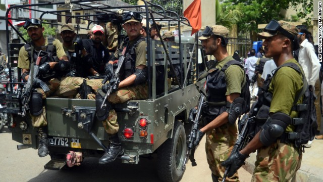 Pakistan votes amid Karachi blasts