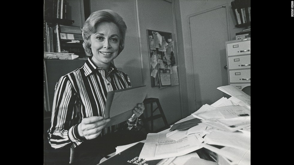 "Popular psychologist Joyce Brothers died at 85 on Monday. ""She passed away peacefully and in her home ... with her family all around her,"" her daughter Lisa Brothers Arbisser said. The family didn't disclose the cause of death. Click through the gallery for more on the life of this television pioneer:"