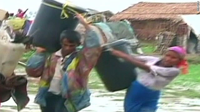 Cyclone Mahasen displaces thousands