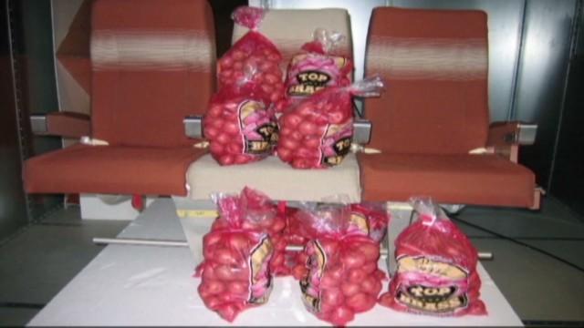 cnnee antonanzas boeing potatoes on board_00001217.jpg