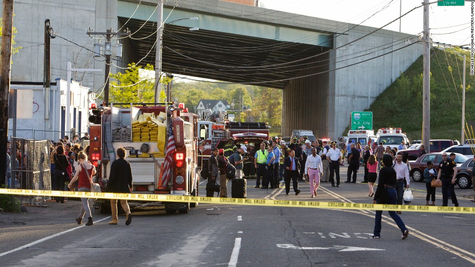 Amtrak also announced early Friday night that it had suspended all travel between New York and Boston indefinitely after the crash.