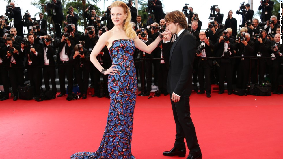 "Nicole Kidman <a href=""http://news.instyle.com/2014/02/10/nicole-kidman-march-instyle-2014/"" target=""_blank"">says her husband, Keith Urban</a>, leaves her a love letter for ""every single night he's away ... every single night of our relationship."""