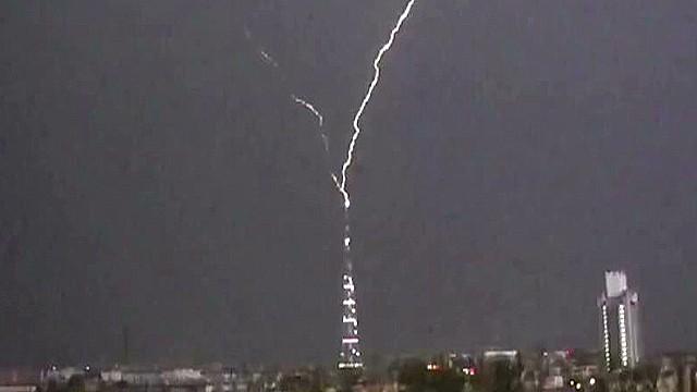 VO lightning strikes tv tower_00002924.jpg