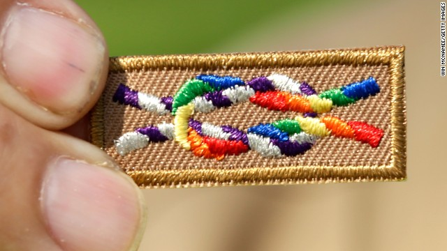 Boy Scouts continue ban of gay leaders