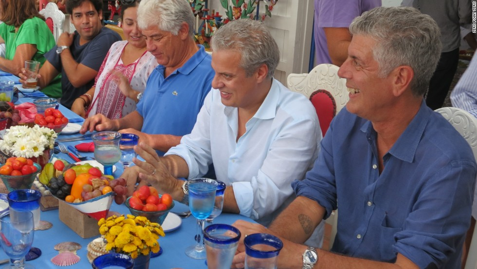 Anthony Bourdain and Eric Ripert traveled to the coastal fishing town of Pucusana to join Chef Coque Ossio for a meal at his family home.