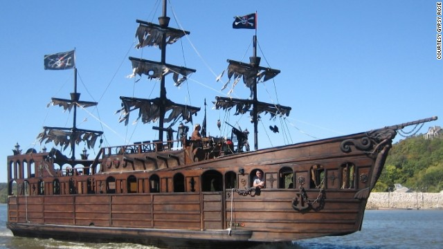 Man builds pirate ship, sells for $80,000 on Craigslist ...