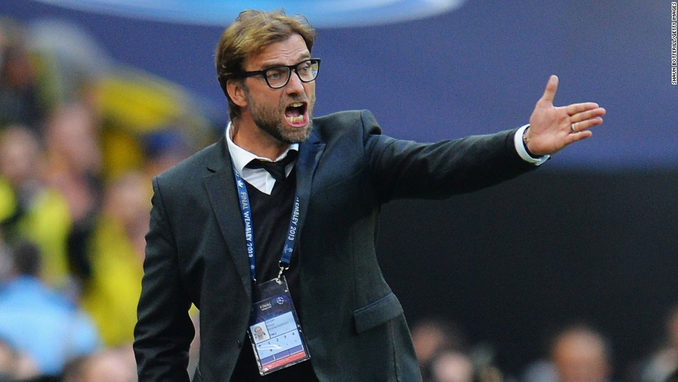 Head Coach Jurgen Klopp of Borussia Dortmund shouts from the sidelines during the match.