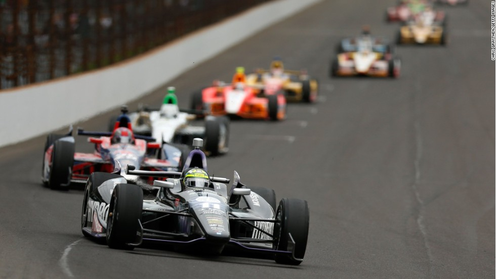 No. 11 Kanaan leads the pack during the race.