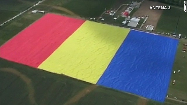 vo romania worlds largest flag_00004513.jpg