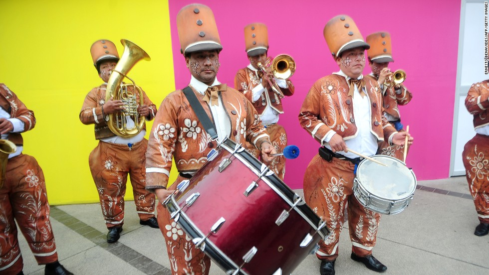 A band warms up at a festival in Lima.