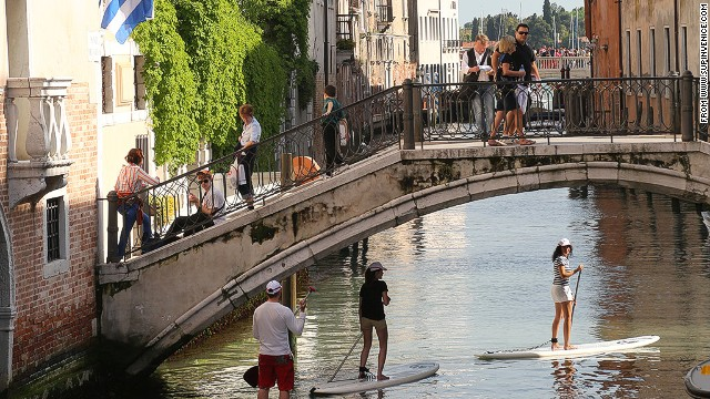 One way to see Venice.