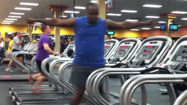 orig jtb distraction treadmill dancer_00001012.jpg
