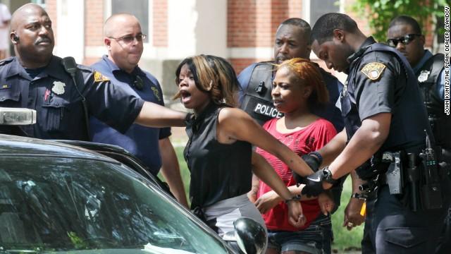 Adults brawl at kindergarten graduation