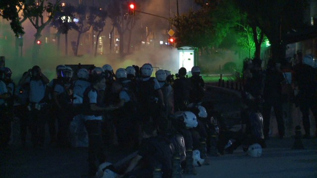Istanbul clashes _00012227.jpg