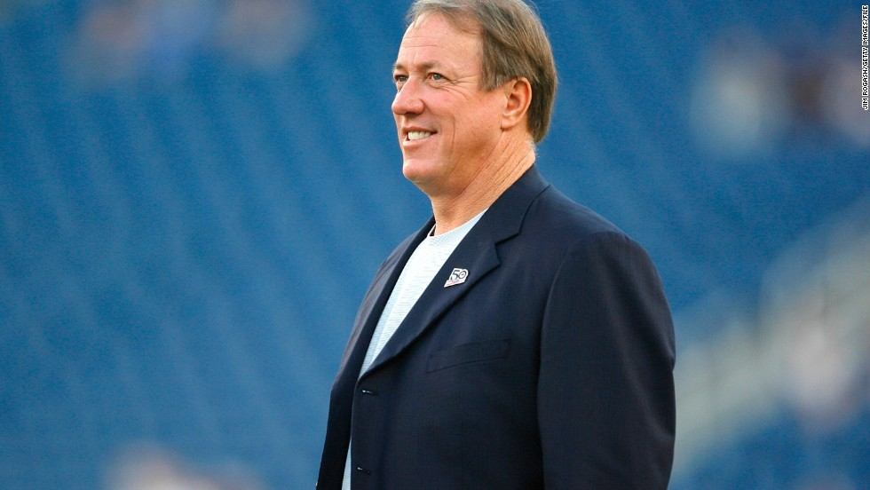 "Buffalo Bills Hall of Fame quarterback Jim Kelly was <a href=""http://bleacherreport.com/articles/1659872-buffalo-bills-legend-jim-kelly-to-undergo-surgery-for-cancer-in-jaw"" target=""_blank"">diagnosed with cancer of the upper jaw bone</a>. ""Doctors have told me that the prognosis for my recovery is very good,"" <a href=""http://www.buffalobills.com/news/article-2/A-statement-from-Jim-Kelly/931d9214-0f2b-435d-a068-28c07a98ade7?campaign=tw_buf_article"" target=""_blank"">Kelly said in a statement from his former club</a>. Indeed, in August, <a href=""http://www.cbssports.com/nfl/eye-on-football/24719421/as-seen-on-the-nfl-today-jim-kelly-and-his-battle-with-cancer"" target=""_blank"">Kelly was told</a> that he was cancer-free."