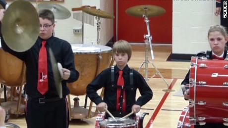 tsr pkg Moos saluting cymbal kid_00000904.jpg