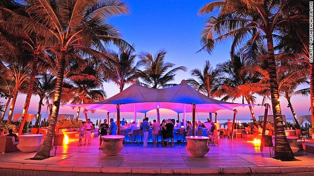 Catch Beach Club: world's purplest bar?