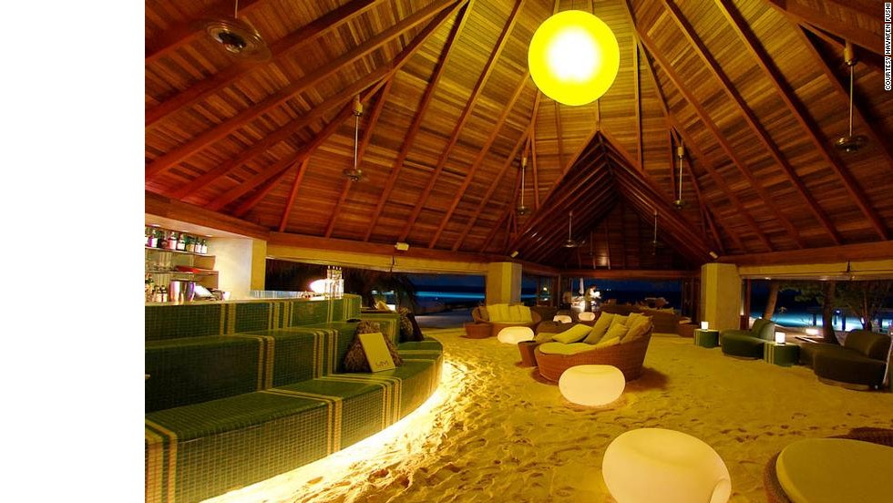 On the water's edge, this bar has a floor made entirely of super-soft Maldivian sand. See 22 below.