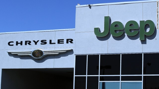 Chrysler Group refusing to recall 2.7 million Jeeps that federal safety officials say are dangerous and should be recalled.