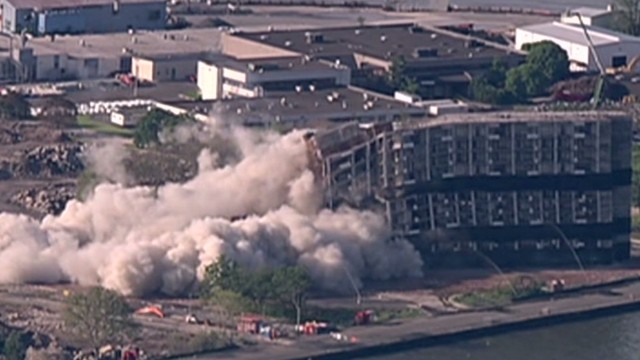 vo hln ny building implosion_00003309.jpg