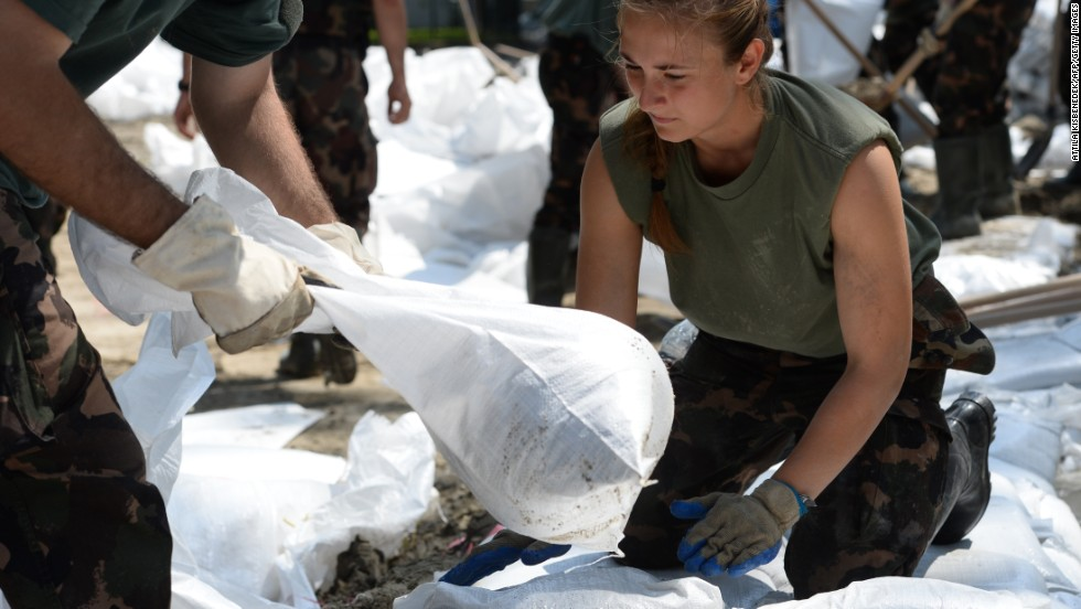 Soldiers prepare a makeshift flood barrier on Margareth Island in the Hungarian capital of Budapest on June 9.