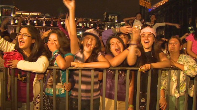 Music fans struggle to get concert tickets_00012713.jpg