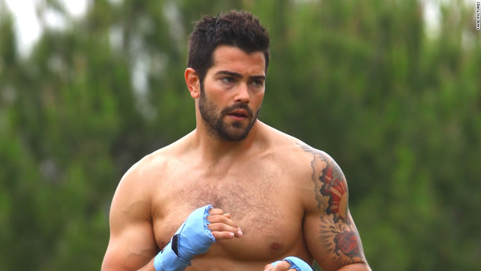 """Dallas"" actor Jesse Metcalfe gets in a workout in Hollywood on June 7."