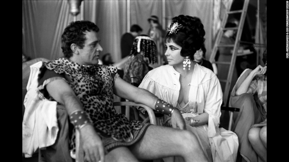 Richard Burton and Elizabeth Taylor on the set of 'Cleopatra', Rome, 1962.
