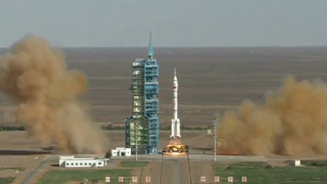 robertson pkg china rocket launch_00000730.jpg