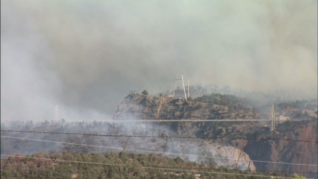 Fire threatens Colorado's Royal Gorge