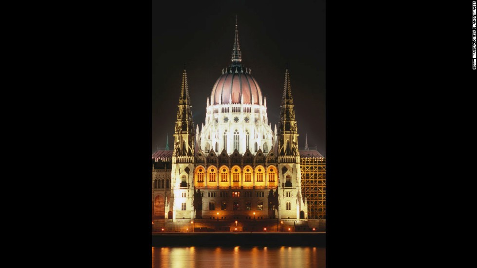 Budapest offers a funky indoor-outdoor bar scene, a return to traditional Hungarian dining and centuries of amazing architecture.