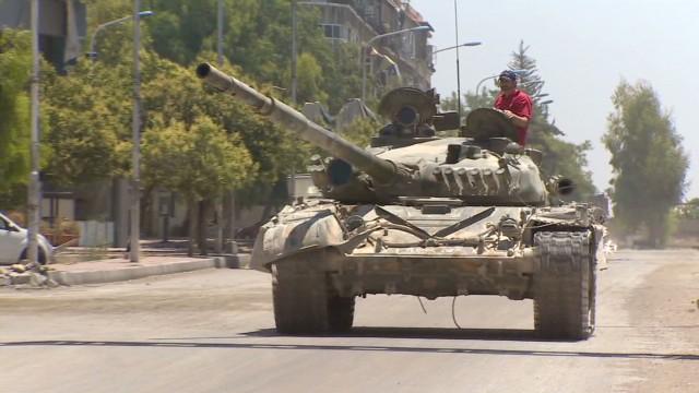 pkg pleitgen damascus syria frontline_00000309.jpg