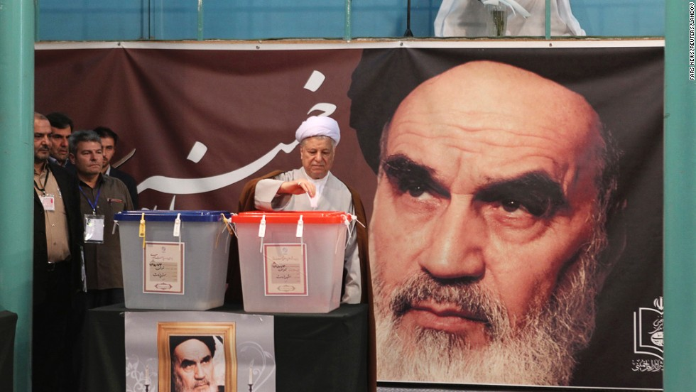Former Iranian President Akbar Hashemi Rafsanjani votes in the Jamaran mosque in Tehran on June 14.