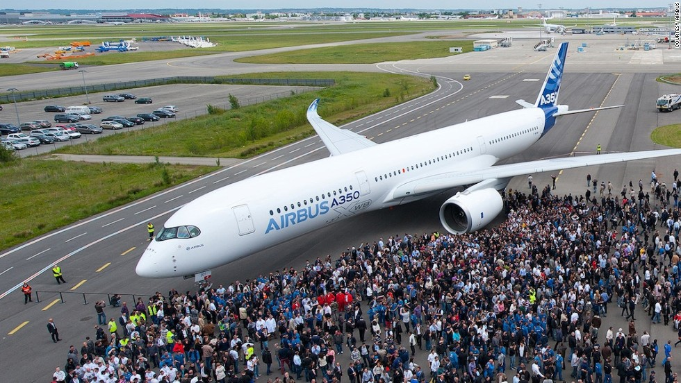 The new Airbus A350 XWB is expected to compete with other long-range twin-engine wide-body airliners like the Boeing 777 Worldliner and the 787 Dreamliner.