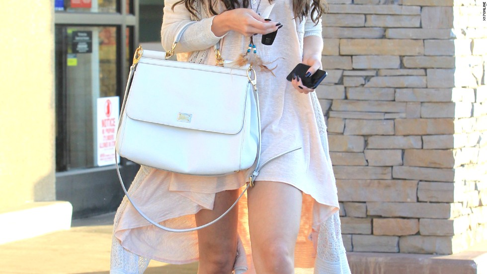 Selena Gomez steps out in her finest boho chic