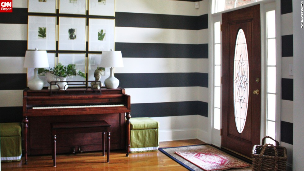Large Open Foyer : Are you brave enough to decorate boldly in the foyer