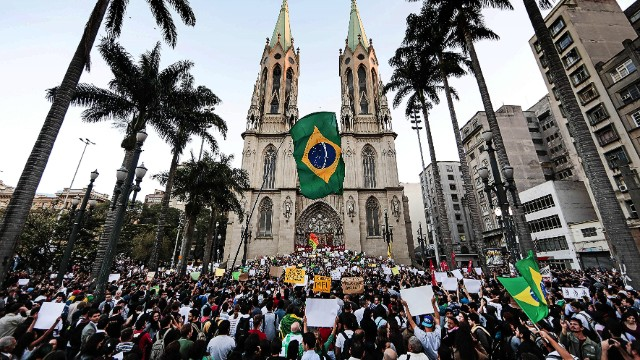Students take part in a demonstration at Praca da Se, in Sao Paulo, Brazil on June 18, 2013, against a recent rise in public bus and subway fare from 3 to 3.20 reais (1.50 USD). President Dilma Rousseff vowed Tuesday to listen to youths staging Brazil's biggest protests in 20 years in an outpouring of anger over the huge cost of staging events like the World Cup. AFP PHOTO/Miguel SCHINCARIOLMiguel Schincariol/AFP/Getty Images. S023261304