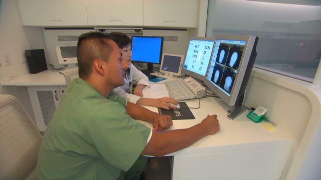 exp hm smart doctor visit_00005305.jpg