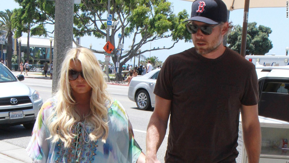 As they await baby No. 2, Jessica Simpson and Eric Johnson head out for a bite on June 22.