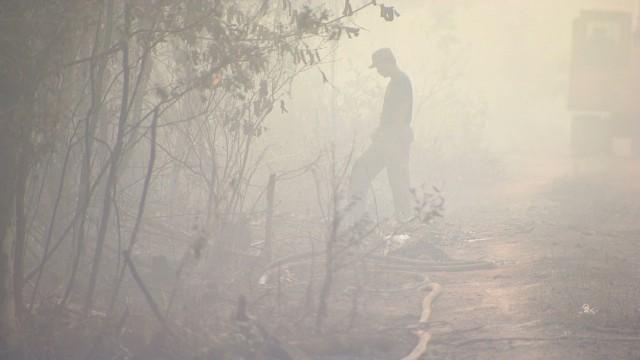 walker malaysia fire smog_00002110.jpg