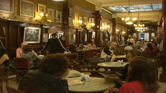 cnnee claudia palacios pkg cafe tortoni_00010707.jpg