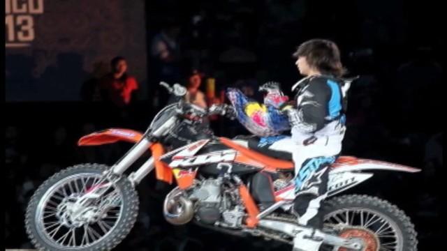cnnee pkg aventurero mexico motorcycle phenom_00015526.jpg