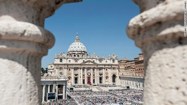 VATICAN CITY, VATICAN - JUNE 16: Crowd of faithful attend the mass for the 'Evangelium Vitae' Day at St. Peter's Square on June 16, 2013 in Vatican City, Vatican.