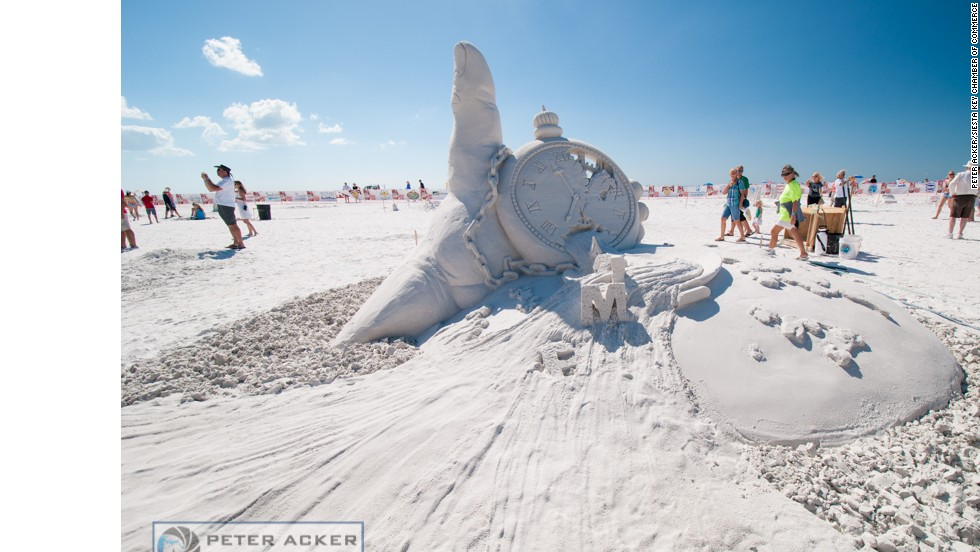 "Looking for the perfect sculpting event in November? The <a href=""http://www.crystalsand.org/"" target=""_blank"">Crystal Classic Master Sand Sculpting Competition</a> at Siesta Key Beach in Sarasota, Florida, boasts clean, white-sugar beaches and beautiful warm weather."