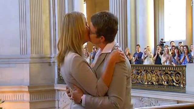 California lifts same-sex marriage ban