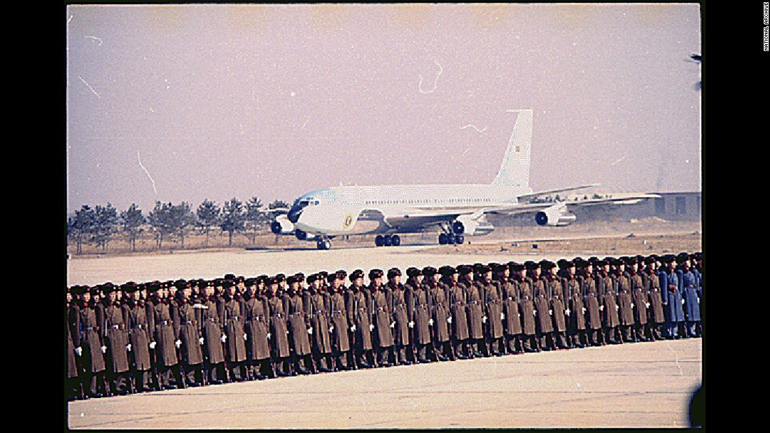 In 1972, SAM 26000 ferried President Richard Nixon to Beijing on a groundbreaking mission to open U.S. relations with the People's Republic of China. The aircraft was welcomed by a 350-man Chinese military honor guard.