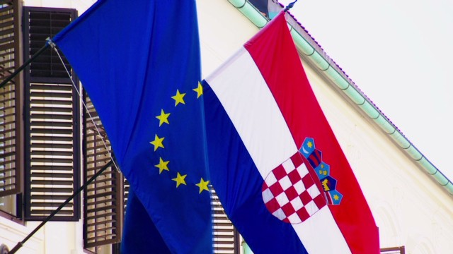 Mixed views on Croatia's entry into EU